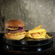 Metropolita Roma | Burger di manzo Italiano con bun del Forno Roscioli
